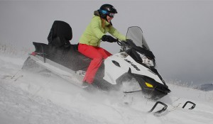 safe-snowmobiling
